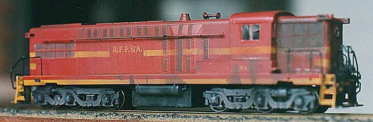 Ferreomodelo modificado da locomotiva AS-616